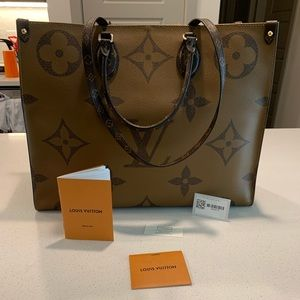 NWT Louis Vuitton on the go tote with organizer